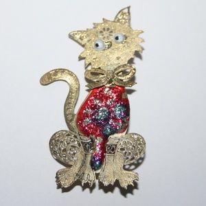 Cute vintage gold cat brooch